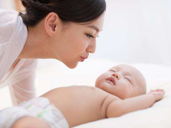 如何来给宝宝营造良好的睡眠环境-晨心家政